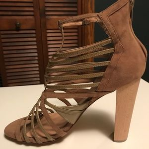 Charles David Victorious Bootie,Taupe, Siz…